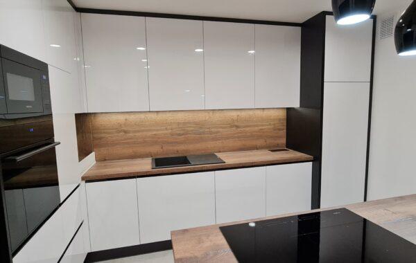 Kuchnia lakierowana biała